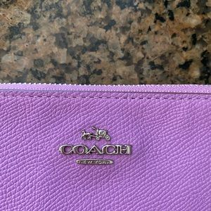 Coach wristlet- orchid color brand new never used